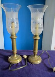 Lovely Pair Brass Piano Table Lamps Mid-century Etched Glass Frosted Hurricanes