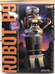 Original Lost In Space Robot B9 16 Scale Moebious Model Kit 939 New/open Box