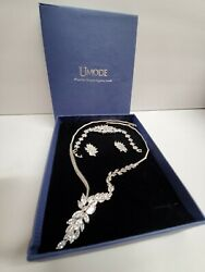 UMODE White Gold Color Queen Flower Design Cubic Zirconia set Top Quality