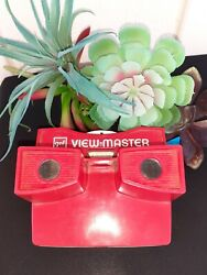 Vintage Red And White Gaf View Master And Winnie The Pooh And The Honey Tree