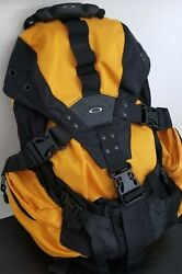 Oakley Icon 2.0 Backpack Yellow 92027 500 Elite Tactical Medusa AP Juliet Romeo $159.00