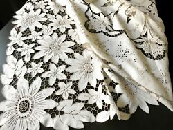Daisies And More Vintage Madeira Embroidered Tablecloth And 12 Napkins 66 X104