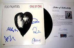 Foo Fighters Complete Band Signed One By One Vinyl Record Album Psa/dna Coa