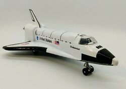 Daron United States Nasa Space Shuttle Endeavour Die Cast And Plastic Pull Back