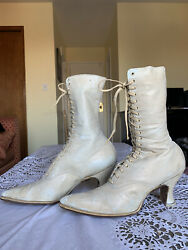 Womenand039s Antique Vintage 1900and039s Victorian Lace-up Boots White