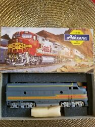 Vintage New In The Box Athearn Ho Scale Train 2376 The Milwaukee Road F7a Dummy.