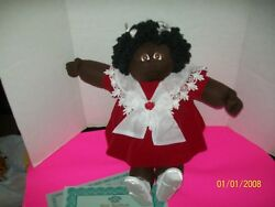 Soft Sculpture Cabbage Patch Kid Girl1984 A/a Hard To Find Fudge Skin W/papers0