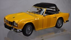 Jadi 118 1961 Yellow Triumph Tr4 Roadster Cabriolet Sports Car Detailed Toy Box