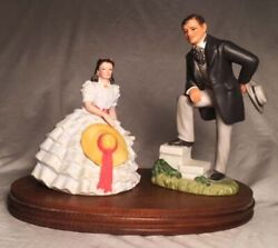 Avon Porcelain Figurines-clark Gable And Vivien Leigh In Gone With The Wind + Base