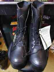 U.s G.i. Mickey Mouse Boots Bata 9 R Black New A1 Usually Fits Size 10 Shoe