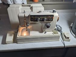 Vintage Morse Sewing Machine-model 8900-zig Zag Patterns-button Hole-tested-sews