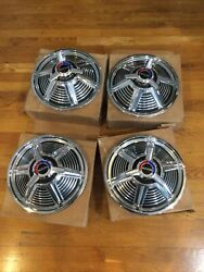 Nos 1965 Ford Mustang 13andrdquo Spinner Hubcaps C5zz-1130-s