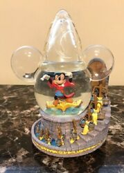 Disney Mickey Sorcerer Musical And Light Up Snow Globe Excellent Condition