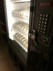 🧊🥤ice-cold Dixie-narco 45-selection Glass Front Soda And Drinks Vending Machine