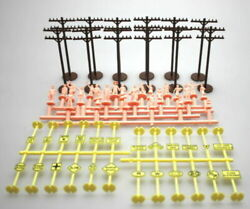 Bachmann - 42104 Ho Accessories 12 X Telephone Poles 24 X Signs And 24 X Figures