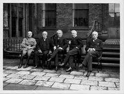 British Prime Minister David Lloyd George With Officers 1918 Old Photo