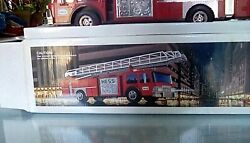 1986 Hess Toy Fire Truck Bank New In Box