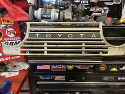 Front Grille For Fj55 Toyota Land Cruiser, Used Great Condition.