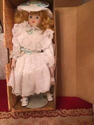 Schmid Doll House Musical Doll I'd Like To Teach The World To Sing Seymour