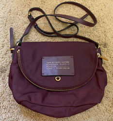 Marc by Marc Jacobs Burgundy Nylon Adjustable Strap Foldover Zip Crossbody Bag $19.00