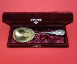 Chrysanthemum By Durgin Sterling Silver Berry Spoon In Fitted Box 9 3/8 Serving