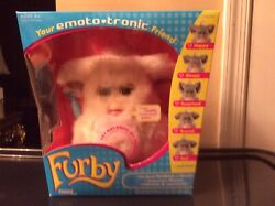 Furby 2005 Your Emoto Tronic Friend White /beige, Very Rare New .sealed Box