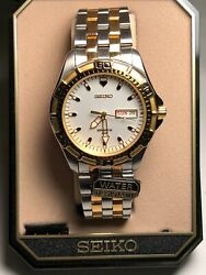 Seiko Sports Men's Round Watch Luminous Dial And Hands Wr Vintage Bnwt