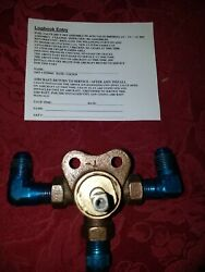 Cessna 120 140 Fuel Valve Assembly Pn 44703  Stem Has One Side Round