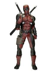 Deadpool Statue Life Size 72 13/16in 11 Foam Rubber And Latex Neca Marvel Comic