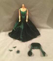 2004 GREEN VELVET EVENING HOLIDAY GOWN DRESS PURSE HEELS BARBIE NEW * NO DOLL* $22.99
