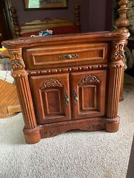 Vintage 1990and039s 2p Pair Two Night Stands Stands Solid Wood