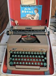 Minty-nice 1952 Royal Quiet De Luxe Portable Typewriter Professionally Serviced