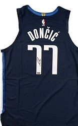Luka Doncic Autographed Authentic Nike Navy Blue Jersey Panini Coa