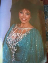 Vintage Loretta Lynn Hand Signed Autographed Magazine 46 Pages Pictures Stories