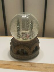 Vtg. 90's Macy's New York City Pre 9/11 Twin Towers Animated Musical Snow Globe