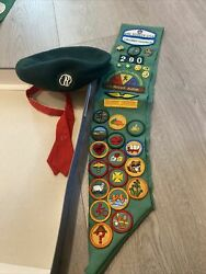 Vintage 1970s Girl Scout Beret, Green Sash And 31 Badges Troop 290 And 8 Pins