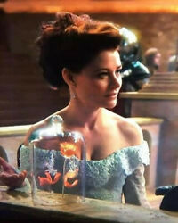 Once Upon A Time Tv Screen Worn Original Belle Camelot Costume Gown Prop Only 1