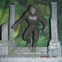 Scariest Ever Werewolf Collection 4 Statues And 5 Figures Pre-order Please Read