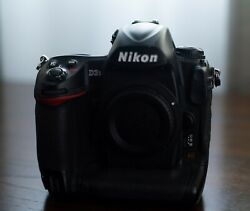 Nikon D3s Full Frame Dslr Camera Body And Accessories