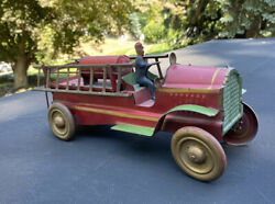 Vintage Dayton Pressed Steel Friction Fire Truck With Driver And Ladders Pat. 1921