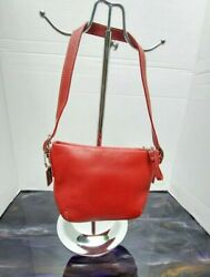 💋💕 SMALL RED COACH HANDBAG. EXCELLENT CONDITION ❤FREE SHIPPING 💋💋 $44.00