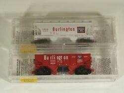 Micro-trains N Scale Lot Of 2 Freight Cars Cbandq, 1 New, 1 Used