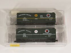 Micro-trains N Scale Lot Of 2 Freight Cars Northern Pacific, 1 New, 1 Used