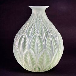 Vase Malesherbes Opalescent Patine Vert R.lalique Double Cased Glass