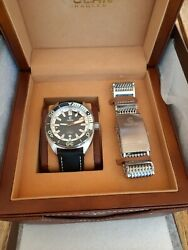 Ocean Crawler Core Diver Black And White Swiss Automatic Diver 44 Mm W Mesh Canvas
