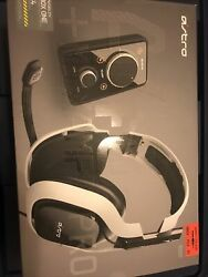 Astro A40 Wired Gaming Headset + Mixamp Pro Pc/xbox/ps3/ps4. Light Used