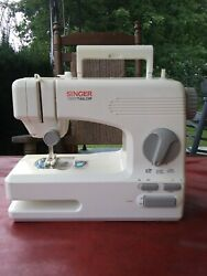 Singer Tiny Taylor Mini Sewing Machine 2 Speed 2 Stitch Setting Off/on Switch.