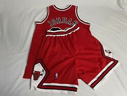 97-98 Authentic Chicago Bulls Jordan Sewn On Jersey 44 And Shorts 32