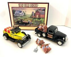 Kent Feeds 1937 Ford Pickup 2000 And Ford Model A 1997 Collector's Edition Toys
