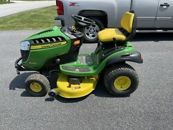 John Deere S240 Riding Lawnmower With New Battery